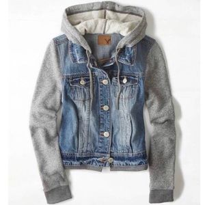 American Eagle Jean Jacket - Small